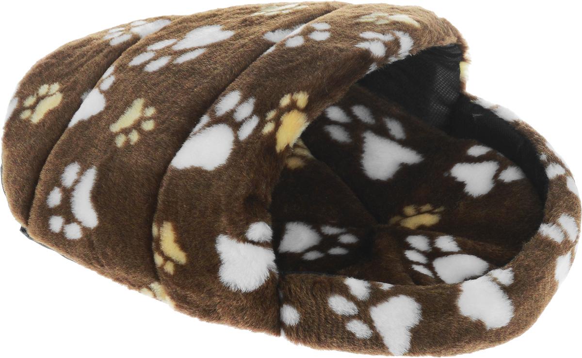 Лежак для животных Elite Valley Тапок, цвет: коричневый, бежевый, белый, 45 х 32 х 20 см0120710Лежак Elite Valley Тапок непременно станет любимым местом отдыха вашего домашнего животного. Изделие выполнено из искусственного меха, текстиля и нетканого материала, а наполнитель - из поролона. Такой материал не теряет своей формы долгое время. Внутри имеется мягкая съемная подстилка.На таком лежаке вашему любимцу будет мягко и тепло. Он подарит вашему питомцу ощущение уюта и уединенности, а также возможность спрятаться.