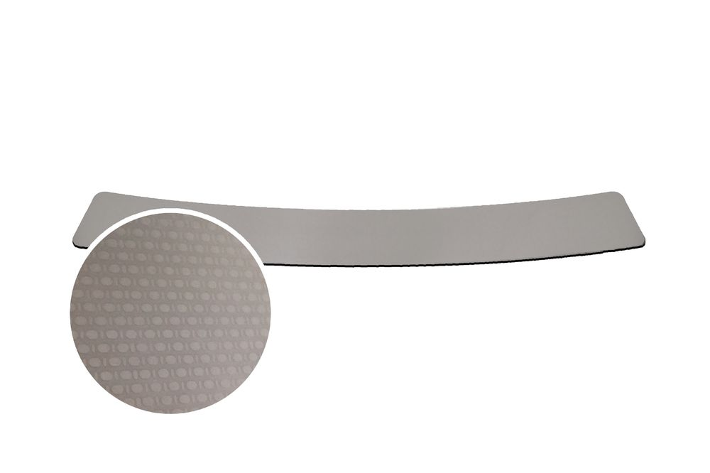 """Накладка на задний бампер Rival для Renault Duster 2015-, 1 штNB.4703.1Накладка на задний бампер RIVALНакладка на задний бампер защищает лакокрасочное покрытие от механических повреждений и создает индивидуальный внешний вид автомобиля- Использование высококачественной итальянской нержавеющей стали AISI 304.- Надежная фиксация на автомобиле с помощью """"фирменного"""" скотча 3М.- Рельефный рисунок накладки придает автомобилю индивидуальный внешний вид.- Идеально повторяют геометрию бампера автомобиля.Уважаемые клиенты! Обращаем ваше внимание,что накладка имеет форму и комплектацию, соответствующую модели данного автомобиля. Фото служит для визуального восприятия товара."""
