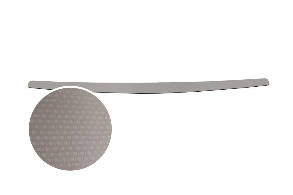 """Накладка на задний бампер Rival для Lada Vesta 2015-, 1 штDH2400D/ORНакладка на задний бампер RIVALНакладка на задний бампер защищает лакокрасочное покрытие от механических повреждений и создает индивидуальный внешний вид автомобиля- Использование высококачественной итальянской нержавеющей стали AISI 304.- Надежная фиксация на автомобиле с помощью """"фирменного"""" скотча 3М.- Рельефный рисунок накладки придает автомобилю индивидуальный внешний вид.- Идеально повторяют геометрию бампера автомобиля.Уважаемые клиенты! Обращаем ваше внимание,что накладка имеет форму и комплектацию, соответствующую модели данного автомобиля. Фото служит для визуального восприятия товара."""