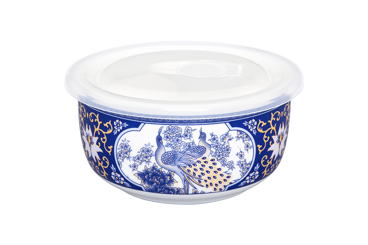 Салатник Elan Gallery Павлин, с крышкой, цвет: синий, 560 млFS-91909Салатник прекрасно подойдет для приготовления и хранения салатов. Украсит любой стол и любую кухню, а пластиковая крышка сохранит свежесть Вашего блюда, предохранит от заветривания. Изделие имеет подарочную упаковку, поэтому станет желанным подарком для Ваших близких!