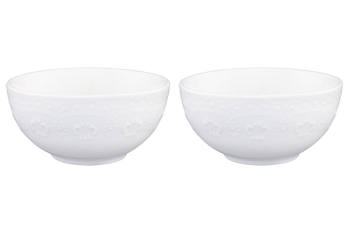 Набор салатников Elan Gallery Узор, цвет: белый, 330 мл, 2 шт54 009312У Вас намечается торжество и нужно накрыть большой стол - используйте компактные и вместительные салатники. Они не займут много места и их можно использовать для разных видов салатов, закусок, сладостей. Размер салатника: 12 х 12 х 5,5 см. Объем салатника: 330 мл.