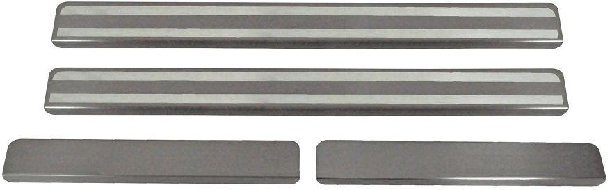 """Накладки на пороги Rival для Ravon R2 2016-, 2 шт240000Накладки на пороги RIVALНакладки на пороги создают индивидуальный интерьер автомобиля и защищают лакокрасочное покрытие от механических повреждений- Использование высококачественной итальянской нержавеющей стали AISI 304.- Надежная фиксация на автомобиле с помощью """"фирменного"""" скотча 3М.- Устойчивое к истиранию изображение на накладках нанесено методом абразивной полировки.- Идеально повторяют геометрию порогов автомобиля.Уважаемые клиенты! Обращаем ваше внимание,что накладки имеют форму и комплектацию, соответствующую модели данного автомобиля. Фото служит для визуального восприятия товара."""