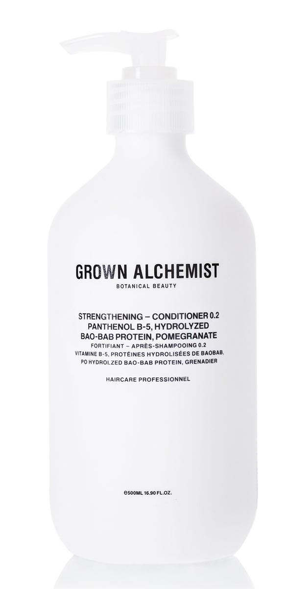 Grown Alchemist Укрепляющий кондиционер 500 млA8931500Кондиционер с комплексом активных компонентов специально разработан для восстановления волос, ослабленных после химического воздействия, горячих укладок и контактов с окружающей средой. Делает волосы здоровыми на вид, увлажненными, мягкими и блестящими.