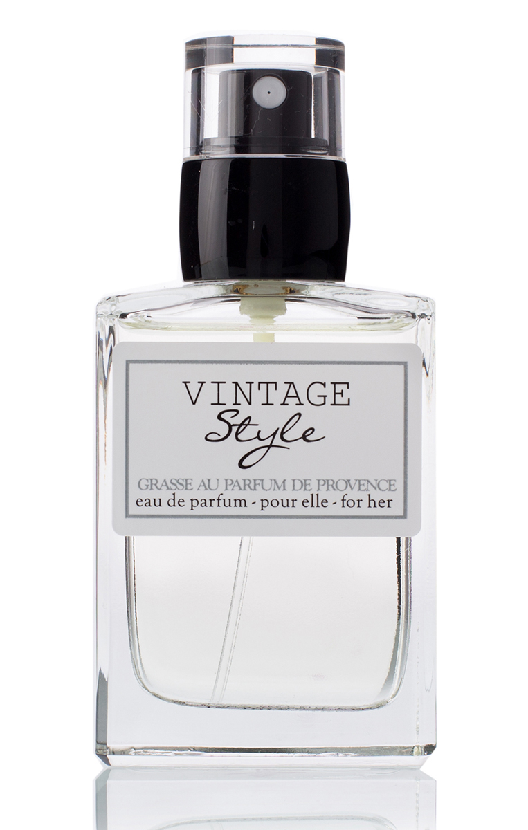 Grasse Au Parfum Парфюмерная вода Vintage Style 30 мл2218Женственный, очаровывающий и стильный аромат для леди, обожающей моду прошлого века. Нежная и элегантная, она идеально передает силу и хрупкость женственности.
