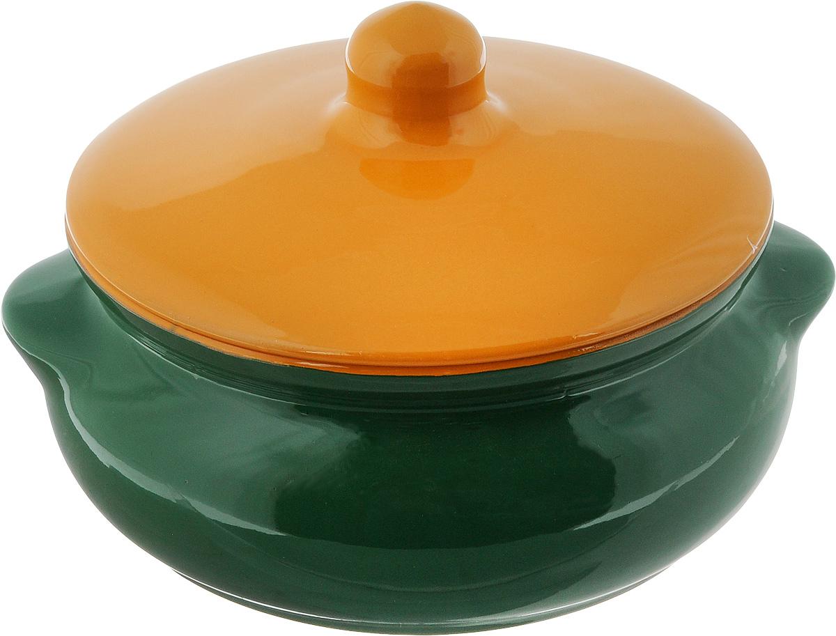 Горшок для запекания Борисовская керамика Радуга, с крышкой, цвет: зеленый, желтый, 700 млРАД00000380_зеленый, желтыйГоршок для запекания Борисовская керамика Радуга с крышкой выполнен из высококачественной керамики. Уникальные свойства красной глины и толстые стенки изделия обеспечивают эффект русской печи при приготовлении блюд. Блюда, приготовленные в керамическом горшке, получаются нежными исочными. Вы сможете приготовить мясо, сделать томленые овощи и все это без капли масла. Этоодин из самых здоровых способов готовки. Можно использовать в духовке и микроволновой печи. Диаметр горшка (по верхнему краю): 15 см.Высота стенок: 7 см. Объем: 700 мл.