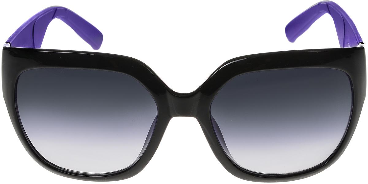 Очки солнцезащитные женские Vittorio Richi, цвет: фиолетовый, черный. ОС5025с80-10-10/17fBM8434-58AEСолнцезащитные очки Vittorio Richi выполнены из высококачественного пластика. Пластик используемый при изготовлении линз не искажает изображение, не подвержен нагреванию и вредному воздействию солнечных лучей. Оправа очков легкая, прилегающей формы и поэтому обеспечивает максимальный комфорт. Такие очки защитят глаза от ультрафиолетовых лучей, подчеркнут вашу индивидуальность и сделают ваш образ завершенным.