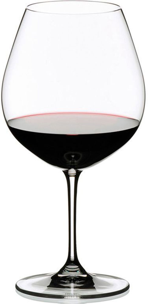 Набор бокалов для красного вина Riedel Vinum. Burgundy, 700 мл, 2 штVT-1520(SR)Набор бокалов для красного вина Riedel Vinum. Burgundy - это прекрасное дополнение сервировки праздничного стола. Тонкостенные и прозрачные бокалы на высоких ножках выполнены из бессвинцового хрусталя. Они смотрятся элегантно и хорошо подойдут для романтического ужина.Высота: 21 см.