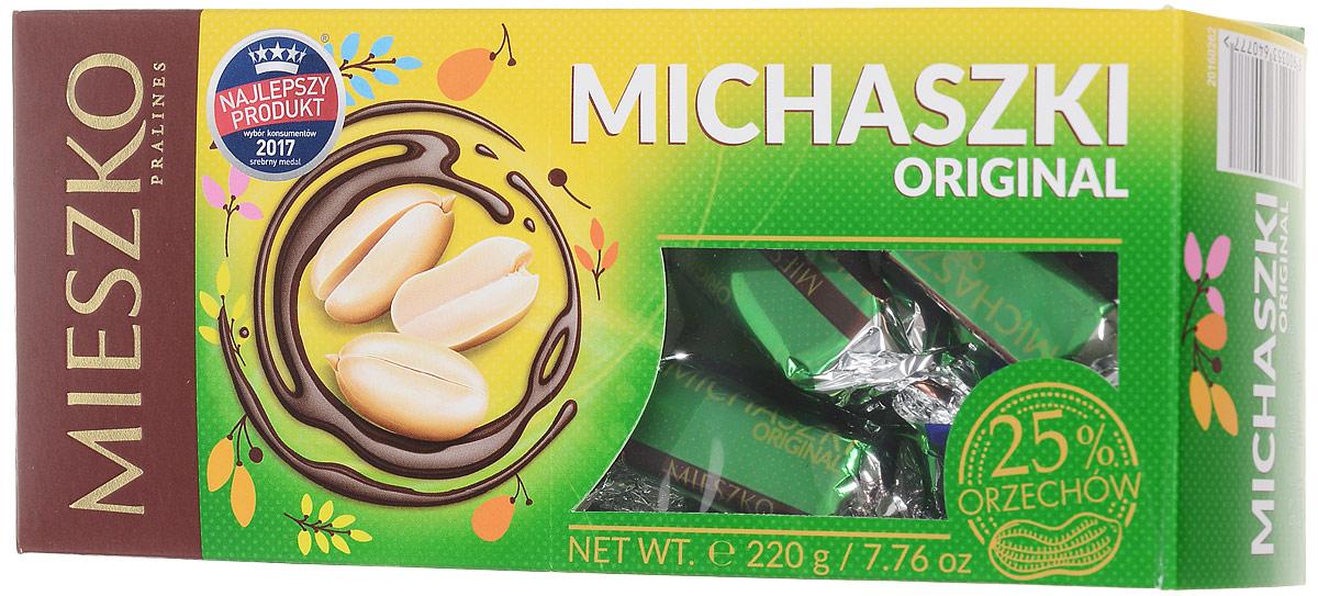 Mieszko Михашки с арахисом набор шоколадных конфет, 220 г0120710Конфеты Mieszko Михашки - приятное лакомство с начинкой пралине, со вкусом арахиса, покрытое шоколадной. В конфетах соединились два излюбленных лакомства мира сладостей: изысканная начинка и качественный шоколад. Это лакомство понравится всем тем, кто предпочитает чистые классические вкусы.