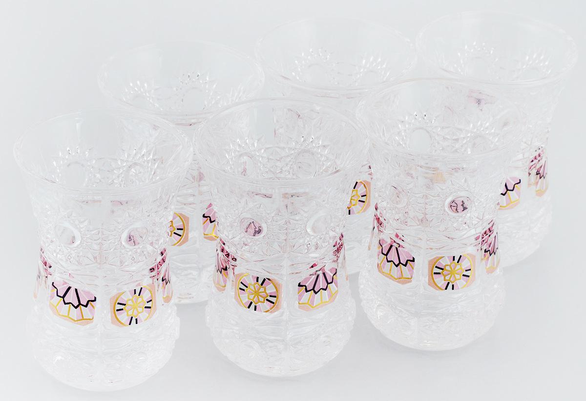 Набор стаканов Loraine, 130 мл, 6 шт. 24677VT-1520(SR)Набор Loraine состоит из шести стаканов, выполненных из высококачественного стекла в мягких тонах с оригинальным цветочным узором. Стаканы предназначены для подачи воды, сока и других напитков. Они излучают приятный блеск и издают мелодичный звон. Такой набор прекрасно оформит праздничный стол и создаст приятную атмосферу за романтическим ужином.Не рекомендуется мыть в посудомоечной машине.Изделия подходят для хранения в холодильнике.Диаметр стакана (по верхнему краю): 6,5 см.Высота стакана: 9 см.