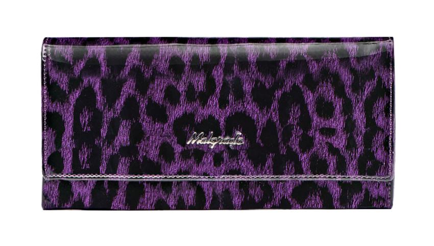 Кошелек женский Malgrado, цвет: фиолетовый. 72032-3-15802BM8434-58AEСтильный кошелек Malgrado изготовлен из натуральной лаковой кожи фиолетового цвета и вмещает в себя купюры в развернутом виде в полную длину. Внутри содержит три отделения для купюр и один карман на молнии, четыре кармашка для дисконтных карт, визиток и кредиток, один прозрачный кармашек для пропуска, проездного билета или фотографии и дополнительный потайной карман. Кошелек закрывается клапаном на кнопку. Кошелек упакован в подарочную металлическую коробку с логотипом фирмы. Такой кошелек станет замечательным подарком человеку, ценящему качественные и практичные вещи. Характеристики:Материал: натуральная кожа, текстиль, металл. Размер кошелька: 18,5 см х 9,5 см х 2,5 см. Цвет: фиолетовый. Размер упаковки: 23 см х 13 см х 4,5 см. Артикул: 72032-3-15802.