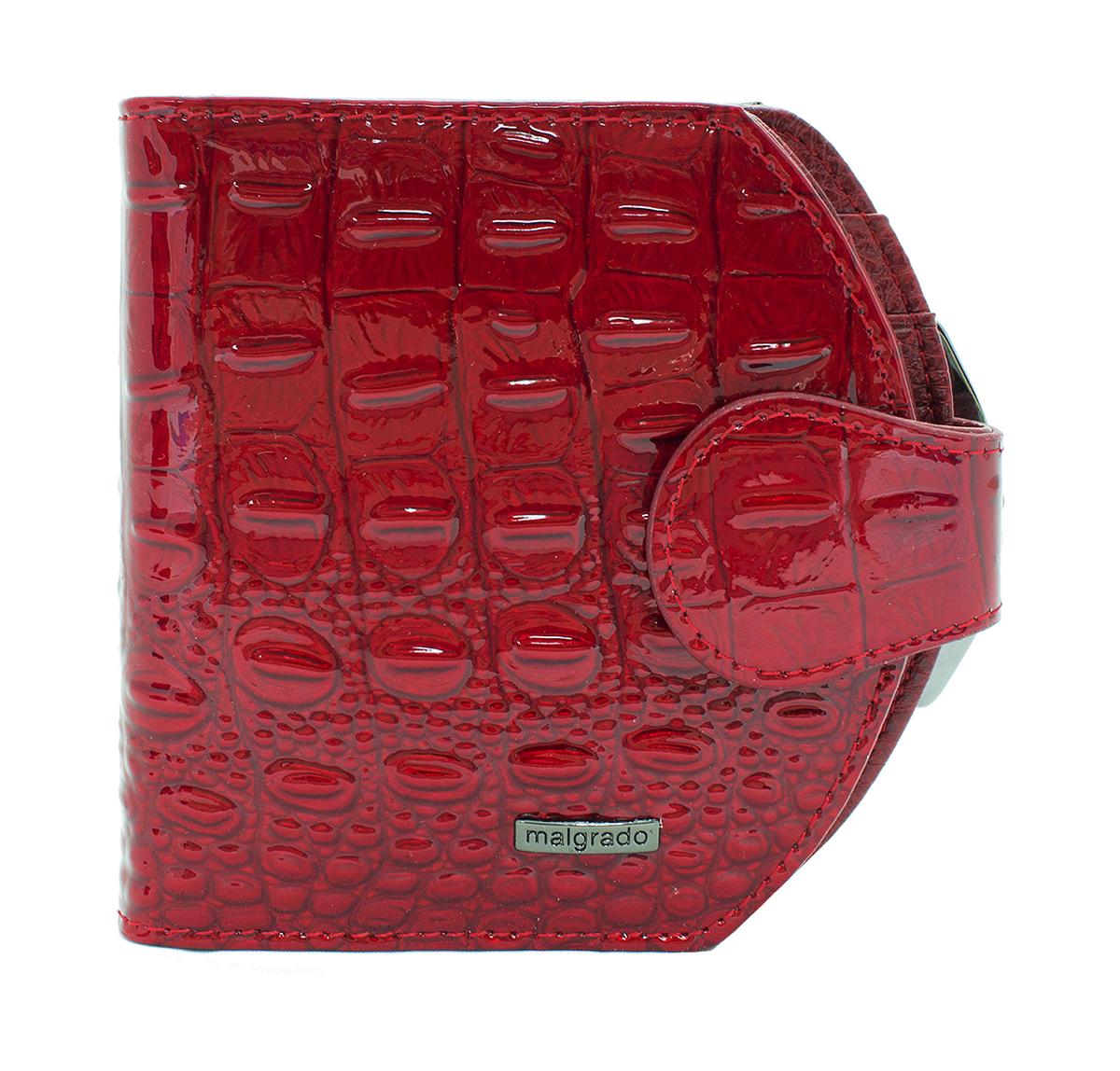 Кошелек женский Malgrado, цвет: красный. 41007-01701490300нЖенский средний кошелек Malgrado из натуральной лаковой кожи с тиснением под рептилию. В закрытом кошельке купюры размещаются в два сложения. Под хлястиком у кошелька 2 разворота, а также внешняя монетница под рамочным металлическим замком. В первом развороте с правой стороны 3 горизонтальных отделения под карточки и 1 вертикальное, а с левой стороны 2 отделения под карточки, одно из которых прозрачное. Во втором развороте 2 горизонтальных отделения под купюры. В монетнице одно отделение.
