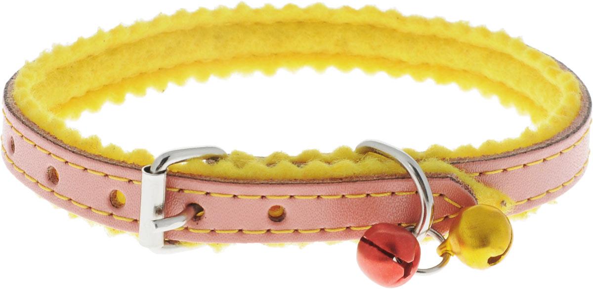 Ошейник для кошек и собак Каскад, с бубенчиками, цвет: розовый, желтый, ширина 10 мм, длина 28 см0120710Ошейник для кошек и собак Каскад выполнен из натуральной кожи и оснащен бубенчиками. С внешней стороны ошейник оформлен клепками, с внутренней дополнен фетровой вставкой.Ошейник застёгивается на металлическую пряжку.Бубенчики позволят контролировать местонахождение вашего питомца.Длина ошейника: 28 см.Ширина ошейника: 10 мм.