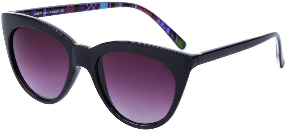 Очки солнцезащитные женские Fabretti, цвет: черный, пурпурный. J174252-2GBM8434-58AEЯркие женские очки от итальянского бренда Fabretti выполнены в стильной форме кошачьего глаза. Классический черный цвет и орнамент на дужках призваны добавить в ваш образ нотку настоящего итальянского шика. Дизайнерская оправа воссоздает элегантность 50-х годов, поэтому аксессуар понравиться всем любительницам ретро-стиля. Градиентное покрытие линз, высокая степень защиты от солнечных лучей и надежное крепление дужек, - все это превращает модель в прочные и стильные очки удобные для вождения, а также незаменимые на отдыхе.