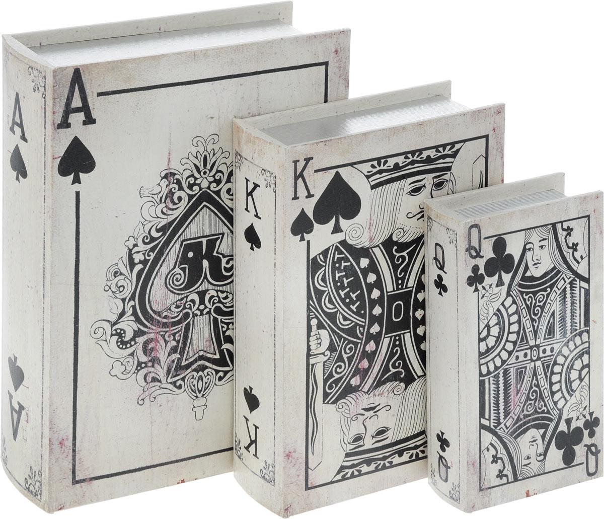 Набор шкатулок для рукоделия Bestex, 3 шт. ZW00125041619Набор Bestex состоит из трех шкатулок, стилизованных под книги. Шкатулки, изготовленные из МДФ, оформлены изображениями мастей карт. Внутри шкатулки обтянуты тканью. Закрываются шкатулки на магниты. Изящные шкатулки с ярким дизайном предназначены для хранения мелочей, принадлежностей для шитья и творчества и других аксессуаров. Такой набор красиво оформит интерьер комнаты и поможет хранить ваши вещи в порядке, а также станет отличным подарком. Размер маленькой шкатулки: 12,5 х 22,5 х 5 см.Размер средней шкатулки: 20 х 28,5 х 6,8 см.Размер большой шкатулки: 25,5 х 34 х 8,5 см.