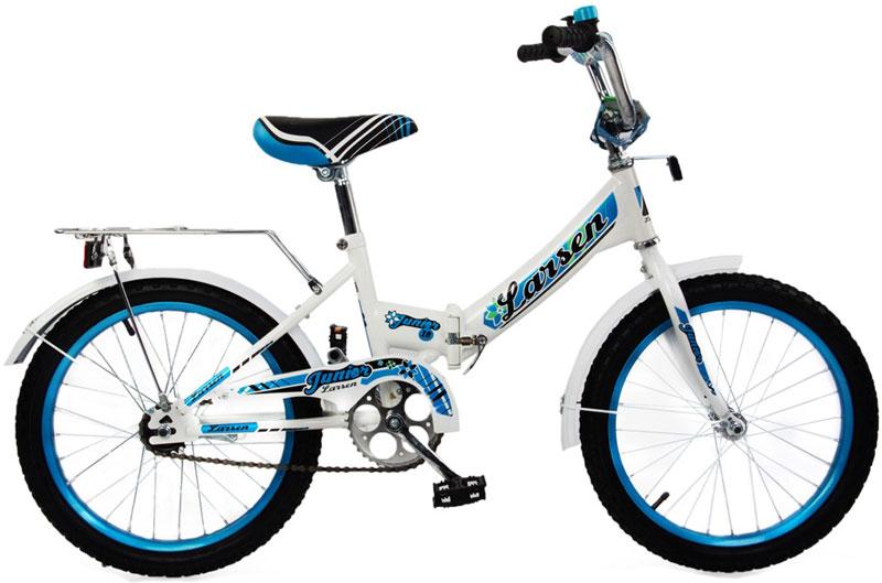 Велосипед детский Larsen Junior 18, цвет: белый, голубой336212Велосипед детский Larsen Junior 18 - это складной двухколесный велосипед. К тому же, велосипед умеет совершенно чудесным образом, как по взмаху волшебной палочки, уменьшаться в размерах ровно в два раза. Попросту говоря, он складывается пополам, что позволяет его хранить довольно компактно, легче выносить на улицу или брать с собой на дачу. Складной двухколесный велосипед Larsen Junior 18 специально сделан именно для девочек. Прочная изогнутая рама позволяет безопасно и удобно садиться и сходить с велосипеда. Цепь предусмотрительно закрыта защитным коробом, чтобы ребенок не поцарапал ножки. Велосипед Larsen Junior 18 имеет жесткую вилку, 1 скорость и ручной тормоз для удобства. Передние и задние крылья не позволят девочке испачкаться даже после дождя. Двухколесный велосипед снабжен задним багажником - для маленьких чудес, которые можно захватить с собой на прогулку.Характеристики:Рама: сталь Вилка: жёсткая, сталь Количество скоростей: 1 Размер колес: 18 Резина: 18*2.125 BMX PATTERN Передний переключатель: нет Задний переключатель: нет Обода: стальные усиленные 18 Тормоза: втулочные, ножные тормоза Дополнительное оборудование: гудок, отражатели, крылья
