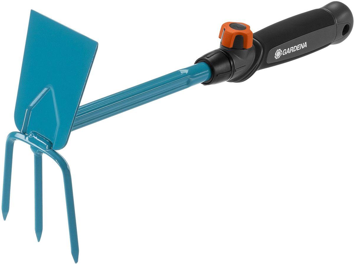 Мотыга Gardena, со съемной ручкой, ширина 6,5 см02343-20.000.00Ручная мотыга Gardena представляет собой идеальный инструмент для аэрации и прополки почвы. Рабочая ширина инструмента - 6,5 см. Ручка специальной формы удобно лежит в руке, что облегчает работу. Лезвие в форме сердца и три зубца выполнены из высококачественной стали с покрытием из дюропласта.Ручка легко снимается и может быть заменена на любую другую ручку, подходящую пользователю по росту и избавляющую от необходимости гнуть спину.