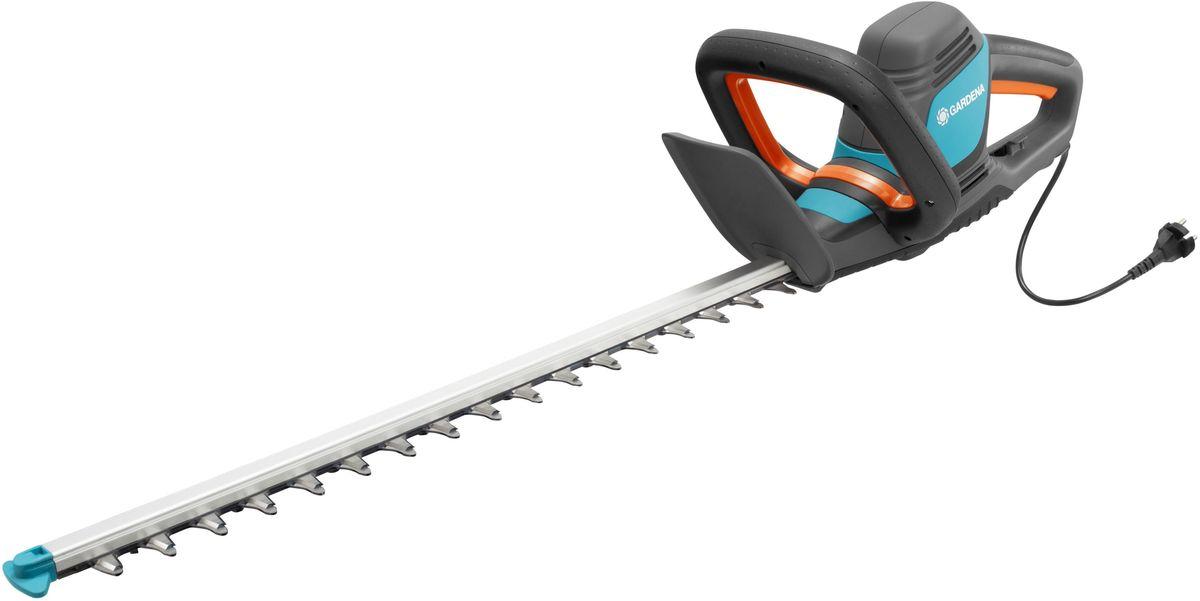 Ножницы для живой изгороди Gardena ComfortCut 600/55, электрические790009Легкие электрические ножницы для живой изгороди Gardena ComfortCut 600/55 прекрасно подходят для удобной стрижки живых изгородей. Благодаря рукоятке эргономичной формы ножницы удобно лежат в руке. Большая кнопка запуска позволяет легко и безопасно включить инструмент в любой ситуации. Оптимизированная геометрия лезвий гарантирует эффективную, быструю и чистую обрезку. Кроме того, она обеспечивает плавность работы при низком уровне вибрации и дает возможность прилагать меньше усилий.
