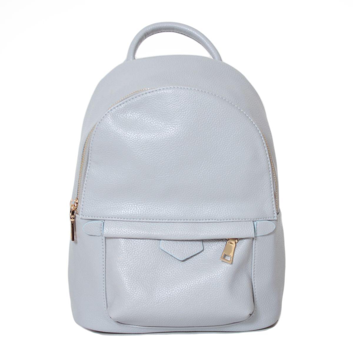Рюкзак женский Flioraj, цвет: светло-серый. 213823008Рюкзак Flioraj выполнен из высококачественной искусственной кожи. Изделие оснащено ручкой для подвешивания и удобными лямками. На лицевой стороне расположен карман на молнии. Рюкзак закрывается на молнию. Внутри расположено главное вместительное отделение, которое содержит один небольшой карман на молнии и один открытый накладной карман для мелочей.