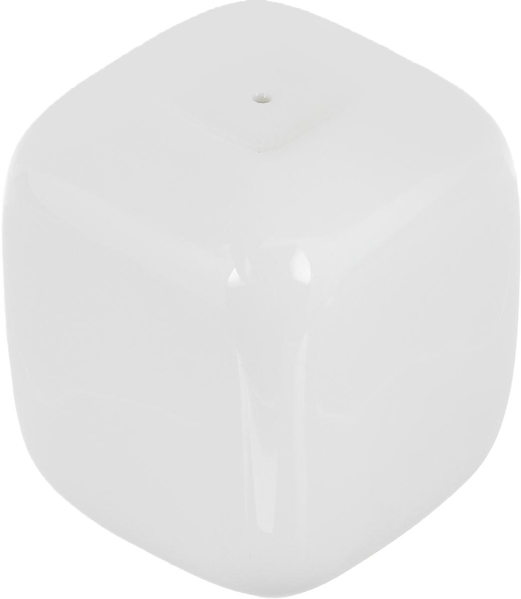 Перечница Ariane Vital Square, 4,5 х 4,5 х 5,5 см17149Перечница Ariane Vital Square изготовлена из высококачественного фарфора белого цвета. Перечница имеет одно отверстие для высыпания специй, на дне - отверстие, позволяющее наполнить емкость, снабженное силиконовой вставкой.Такая перечница украсит сервировку вашего стола и подчеркнет прекрасный вкус хозяина, а также станет отличным подарком.Можно мыть в посудомоечной машине.