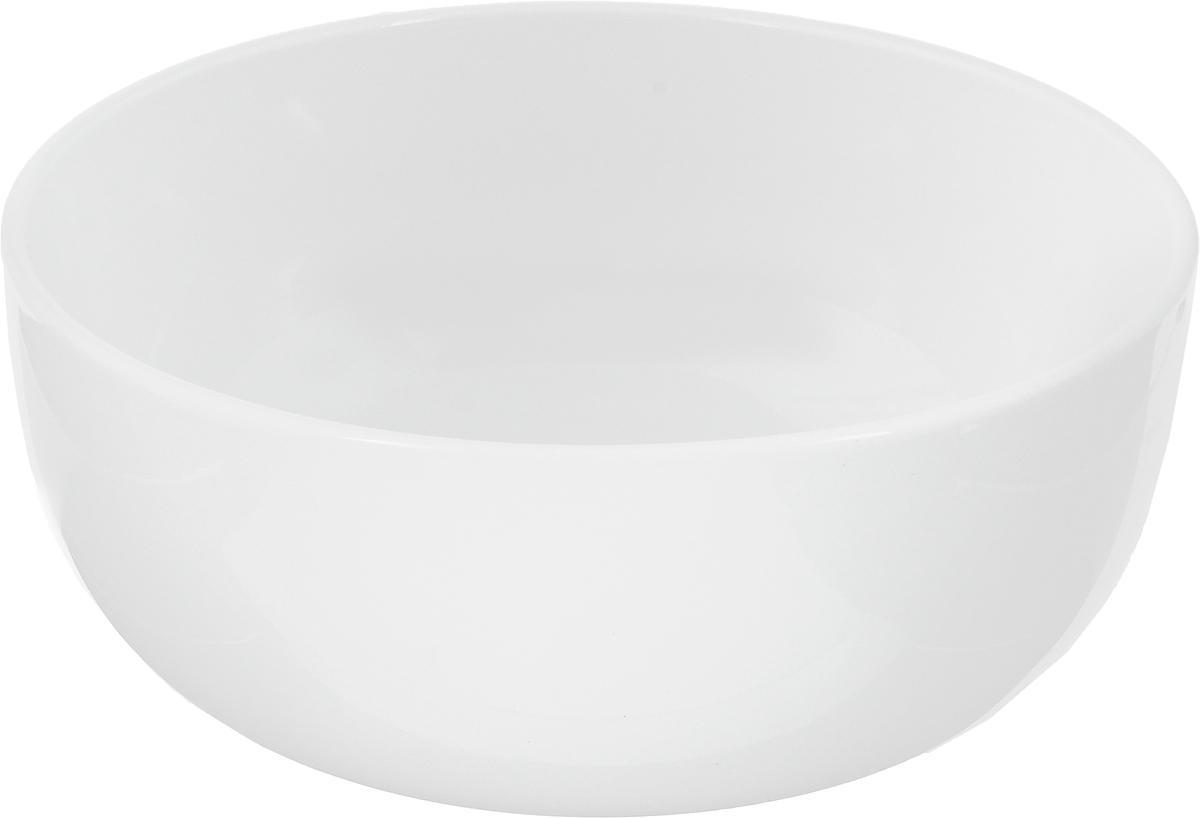 Салатник Ariane Прайм, 1,3 л54 009312Салатник Ariane Прайм, изготовленный из высококачественного фарфора с глазурованным покрытием, прекрасно подойдет для подачи различных блюд: закусок, салатов или фруктов. Такой салатник украсит ваш праздничный или обеденный стол.Можно мыть в посудомоечной машине и использовать в микроволновой печи.Диаметр салатника (по верхнему краю): 18 см.Диаметр основания: 9 см.Высота стенки: 8 см.Объем салатника: 1,3 л.