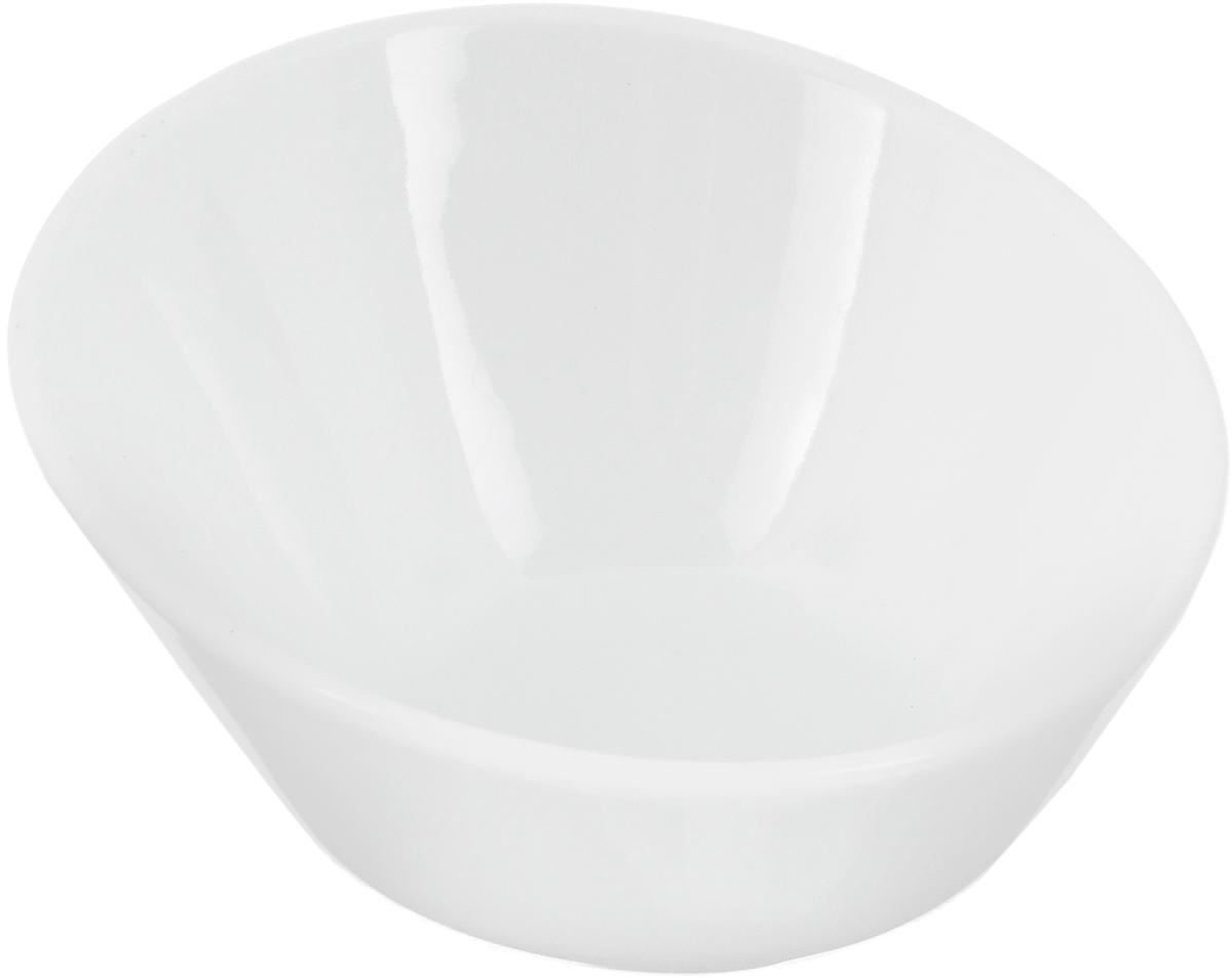 Салатник Ariane Прайм, 90 мл115510Салатник Ariane Прайм, изготовленный из высококачественного фарфора с глазурованным покрытием, прекрасно подойдет для подачи различных блюд: закусок, салатов или фруктов. Такой салатник украсит ваш праздничный или обеденный стол.Можно мыть в посудомоечной машине и использовать в микроволновой печи.Диаметр салатника (по верхнему краю): 10 см.Диаметр основания: 4,5 см.Высота: 5,5 см.Объем салатника: 90 мл.