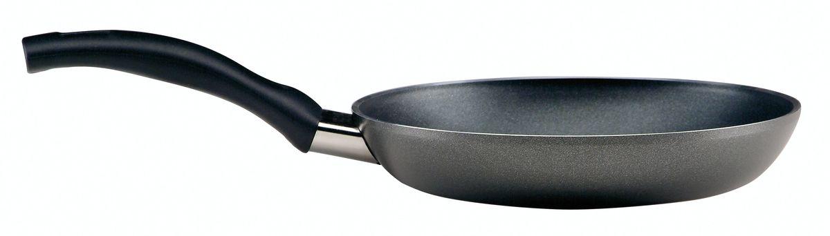 Сковорода Ballarini Cortina, с антипригарным покрытием. Диаметр 20 см045130.20Сковорода Ballarini Cortina выполнена из высококачественного алюминия с антипригарным покрытием. Такое покрытие предотвращает пригорание пищи, готовить можно без масла и жира. Корпус из пищевого алюминия гарантирует быстрый и равномерный нагрев. Сковорода дополнена удобной пластиковой ручкой. Сковорода подходит для всех плит, кроме индукционных. Можно мыть в посудомоечной машине.Диаметр сковороды: 20 см.Высота стенки: 4 см.Длина ручки: 16 см.