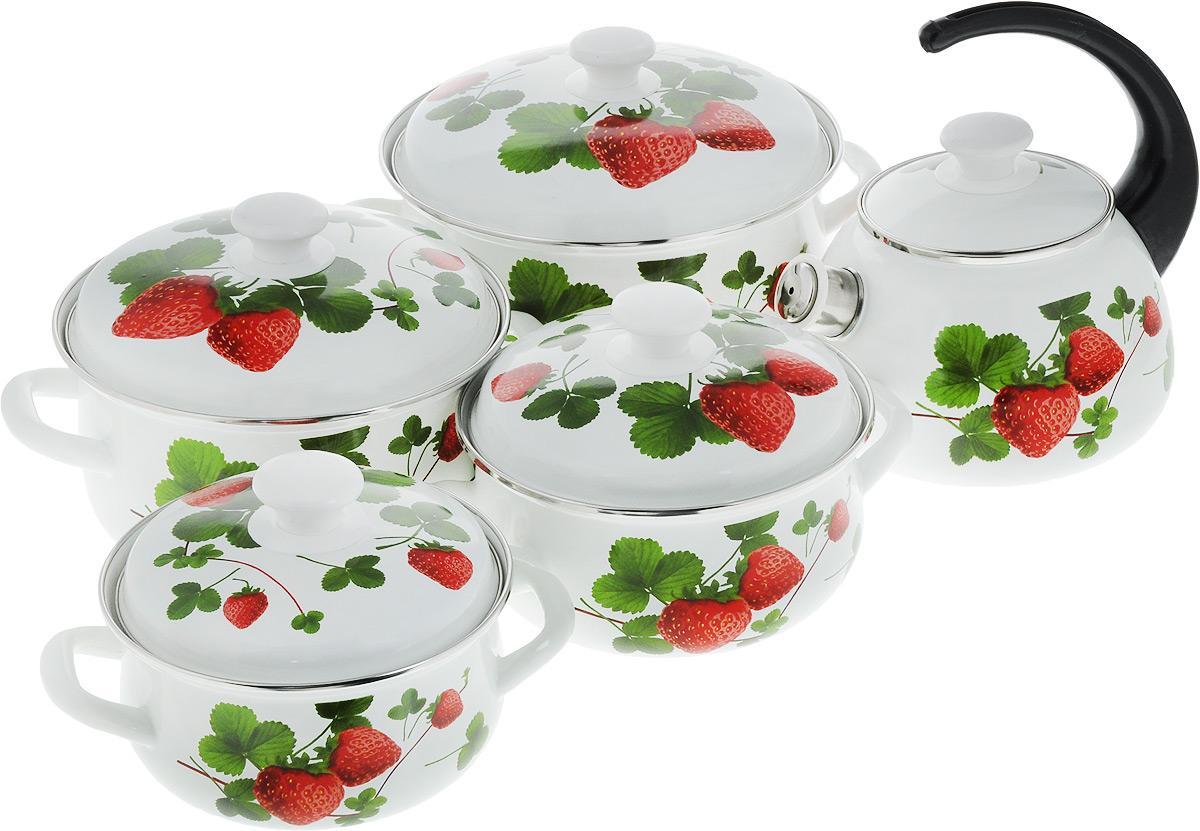 Набор посуды КМК Летняя ягода, 10 предметов54 009312Набор посуды КМК Летняя ягода, состоящий из чайника и четырех кастрюль с крышками, изготовлен из высококачественной стали с эмалированным покрытием и оформлен изображением ягод. Эмалевое покрытие, являясь стекольной массой, не вызывает аллергии и надежно защищает пищу от контакта с металлом. Внутренняя поверхность идеально ровная, что значительно облегчает мытье. Покрытие устойчиво к механическому воздействию, не царапается и не сходит, а стальная основа практически не подвержена механической деформации, благодаря чему срок эксплуатации увеличивается. Кастрюли и чайник оснащены крышками, выполненными из стали с эмалированным покрытием, которые имеют удобные пластиковые ручки. Чайник оснащен пластиковой ручкой. Носик чайника дополнен свистком, звуковой сигнал, которого подскажет когда закипит вода. Подходят для всех типов плит, включая индукционные. Можно мыть в посудомоечной машине. Высота стенок кастрюль: 9 см; 9,5 см; 11,5 см; 12,5 см. Диаметр кастрюль (по верхнему краю): 16 см; 18 см; 20 см; 23 см. Ширина кастрюль (с учетом ручек): 23,5 см; 25,5 см; 28 см; 31 см.Объем кастрюль: 1,5 л; 2 л; 3 л; 4 л. Диаметр чайника (по верхнему краю): 12 см. Высота чайника (без учета крышки и ручки): 12,5 см. Объем чайника: 2 л.