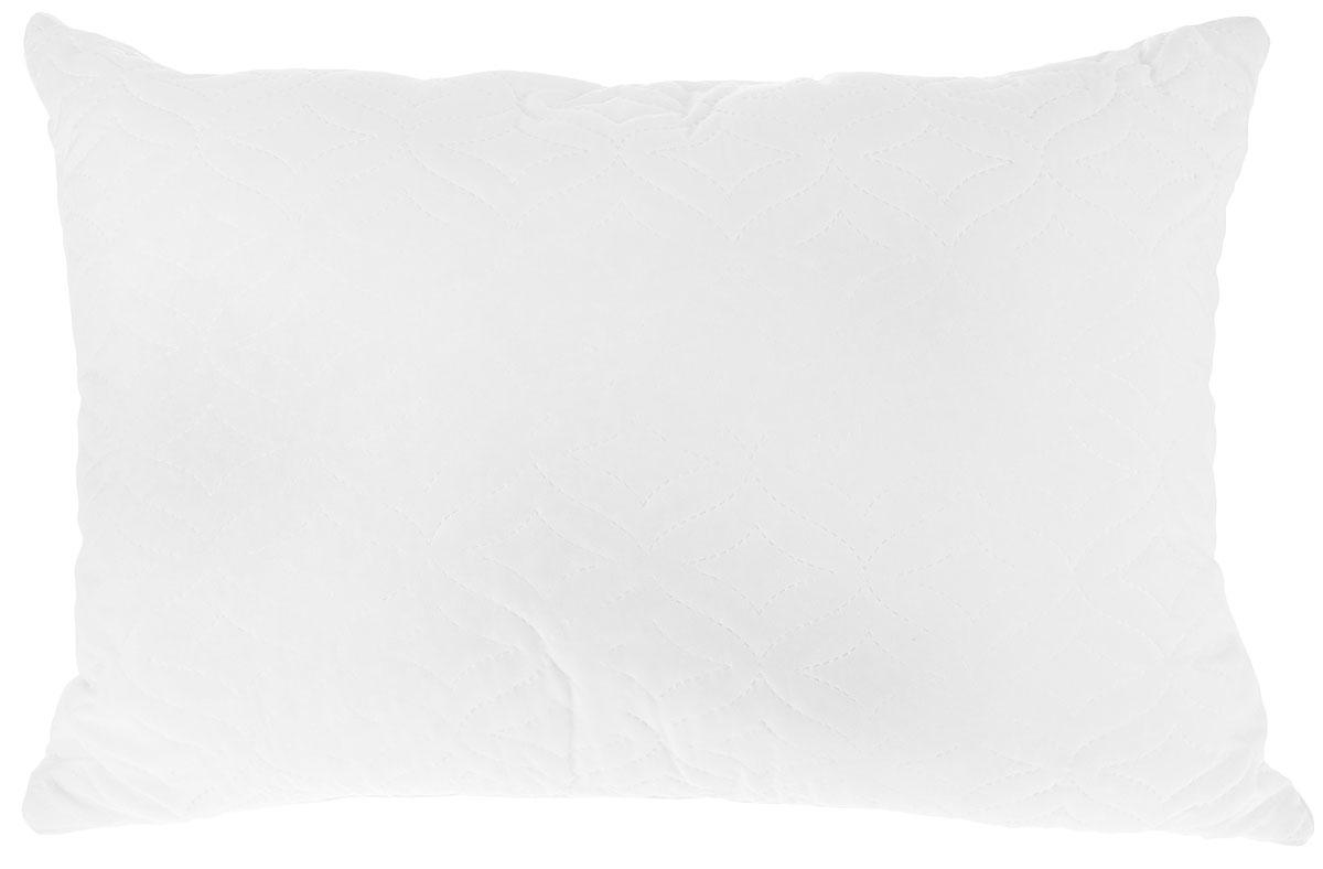Подушка Mona Liza, наполнитель: хлопковое волокно, цвет: белый, 50 см х 70 см17102019Подушка Mona Liza подарит вам незабываемое чувство комфорта и умиротворения. Чехол выполнен из хлопка и полиэстера, украшен фигурной стежкой и кантом по краю. Внутри - самый естественный и натуральный наполнитель из хлопкового волокна. Свойства хлопка делают постельные принадлежности идеальными, во время сна они дарят нежность и комфорт. Изделия приятны на ощупь, гигиеничны и комфортны. Имеют высокую устойчивость к воздействию пота. Хлопок умеет дышать, обладает отличной терморегуляцией и дарит наслаждение вашему телу. Подушка проста в уходе, подходит для машинной стирки, быстро сохнет, отличается износостойкостью и практичностью. Материал чехла: ткань (100% полиэстер), коттон файбер- пласт (30% хлопок, 70% полиэстер). Наполнитель: хлопковое волокно (100% полиэстер). Вес наполнителя: 650 г.