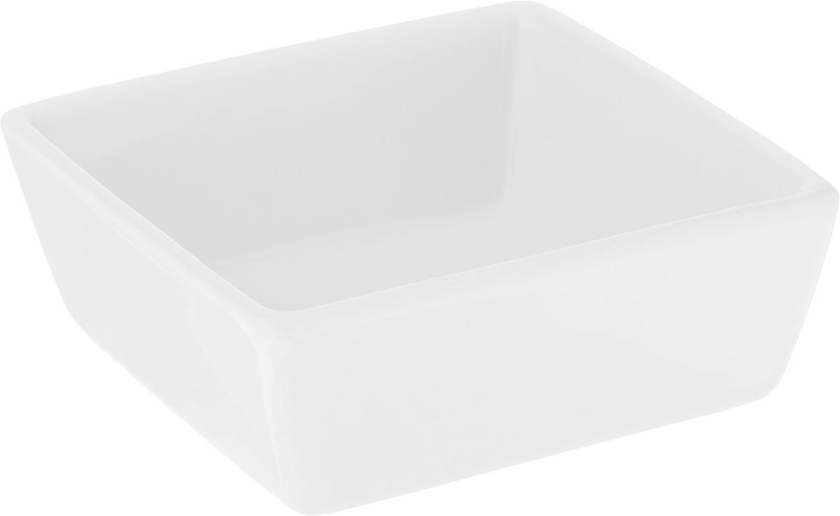 Салатник Ariane Джульет, 130 млWL-992558 / AСалатник Ariane Джульет изготовлен из высококачественного фарфора и имеет квадратную форму. Такой салатник украсит сервировку вашего стола и подчеркнет прекрасный вкус хозяина, а также станет отличным подарком. Можно мыть в посудомоечной машине и использовать в микроволновой печи. Размер салатника: 9 х 9 х 3,5 см.