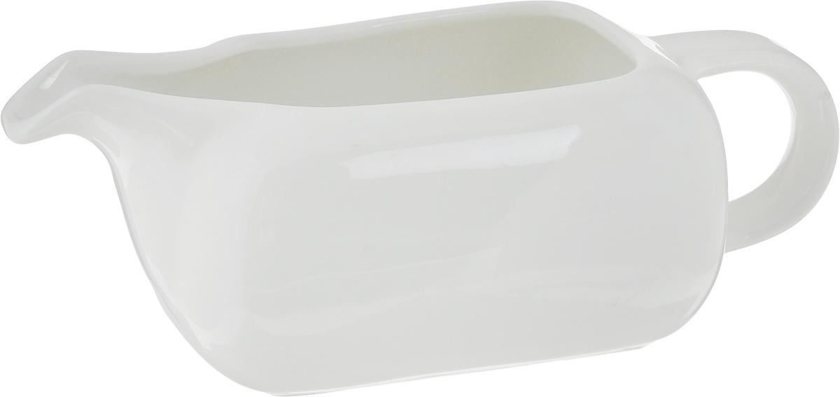 Соусник Ariane Vital Square, 250 мл54 009312Соусник Ariane Vital Square изготовлен из высококачественного фарфора, покрытого глазурью. Изделие предназначено для сервировки соусов, снабжено удобным носиком и ручкой. Такой соусник пригодится в любом хозяйстве, он подойдет как для праздничного стола, так и для повседневного использования. Изделие функциональное, практичное и легкое в уходе. Можно мыть в посудомоечной машине.
