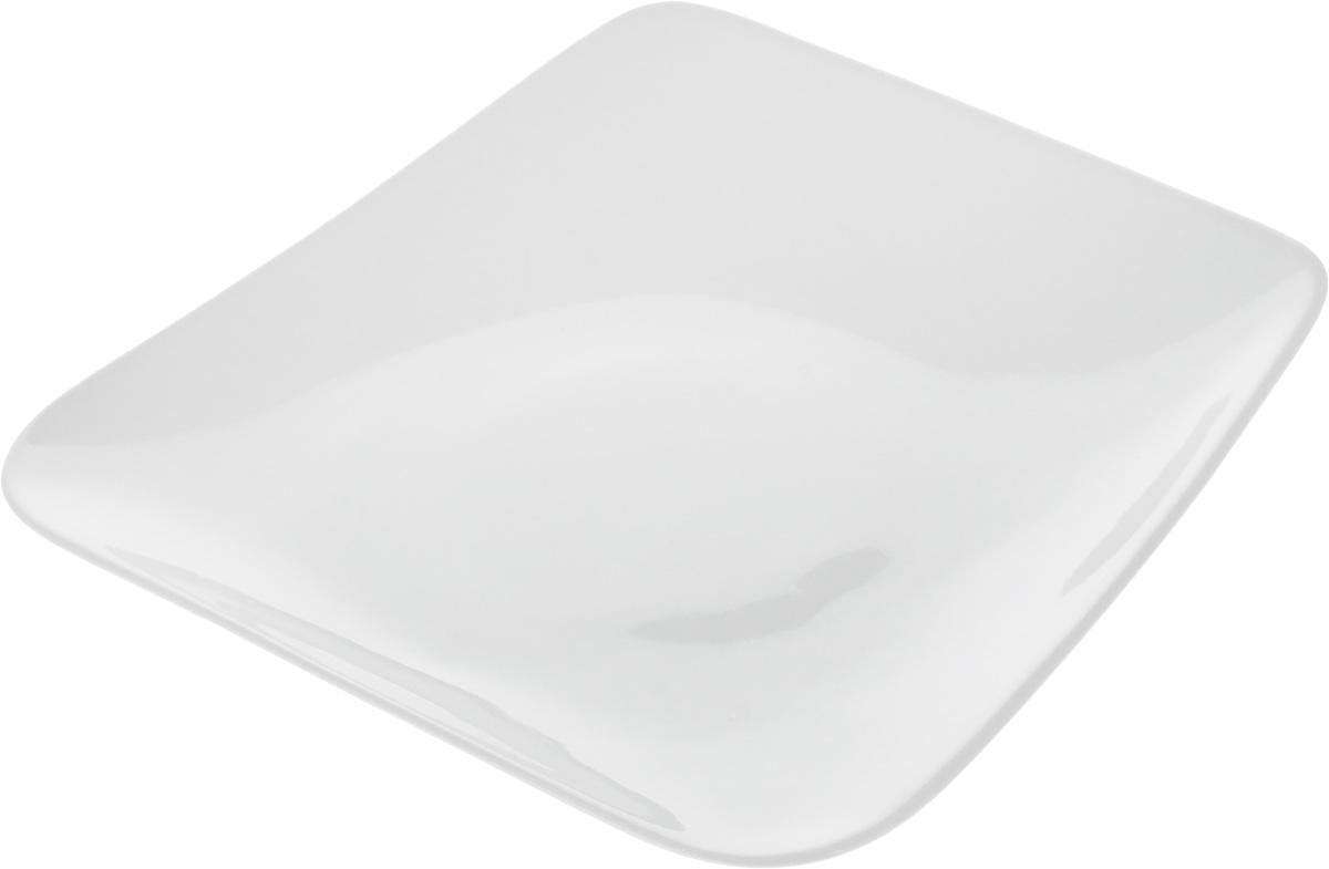 Тарелка Ariane Rectangle, 20,5 х 19,5 см115510Оригинальная тарелка Ariane Rectangle изготовлена из высококачественного фарфора с глазурованным покрытием и имеет приподнятый край. Изделие идеально подходит для сервировки закусок и других блюд. Такая тарелка прекрасно впишется в интерьер вашей кухни и станет достойным дополнением к кухонному инвентарю. Можно мыть в посудомоечной машине и использовать в микроволновой печи. Размер тарелки (по верхнему краю): 20,5 х 19,5 см. Максимальная высота тарелки: 3,5 см.