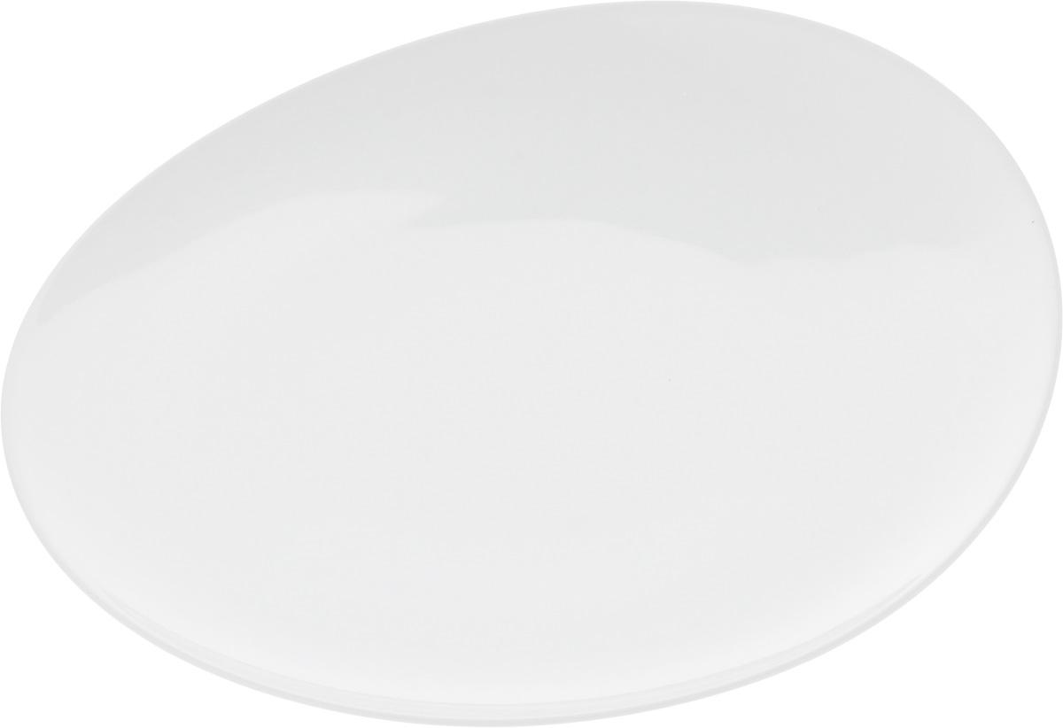 Тарелка Ariane Коуп, диаметр 31 см2260001БОригинальная тарелка Ariane Коуп изготовлена из высококачественного фарфора с глазурованным покрытием и имеет приподнятый край. Изделие круглой формы идеально подходит для сервировки закусок и других блюд. Такая тарелка прекрасно впишется в интерьер вашей кухни и станет достойным дополнением к кухонному инвентарю. Можно мыть в посудомоечной машине и использовать в микроволновой печи. Диаметр тарелки (по верхнему краю): 31 см. Максимальная высота тарелки: 5 см.