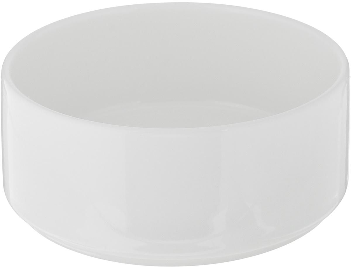 Салатник Ariane Прайм, 380 мл54 009312Салатник Ariane Прайм, изготовленный из высококачественного фарфора с глазурованным покрытием, прекрасно подойдет для подачи различных блюд: закусок, салатов или фруктов. Такой салатник украсит ваш праздничный или обеденный стол.Можно мыть в посудомоечной машине и использовать в микроволновой печи.Диаметр салатника (по верхнему краю): 12 см.Диаметр основания: 11 см.Высота стенки: 5 см.Объем салатника: 380 мл.
