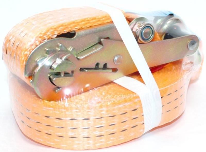 Ремень стяжной Tplus, 3/6 т, 9 мМ 112Стяжной ремень Tplus предназначен для фиксации грузов на транспорте. За счет ленты с замком он отлично подходит для крепления грузов, перевозимых даже на дальние расстояния. Предельная рабочая нагрузка (WLL): прямое крепление: 3 т; крепление в обхват: 6 т. Длина: 9 м. Ширина ленты: 35 мм. Материал: полиэстер.