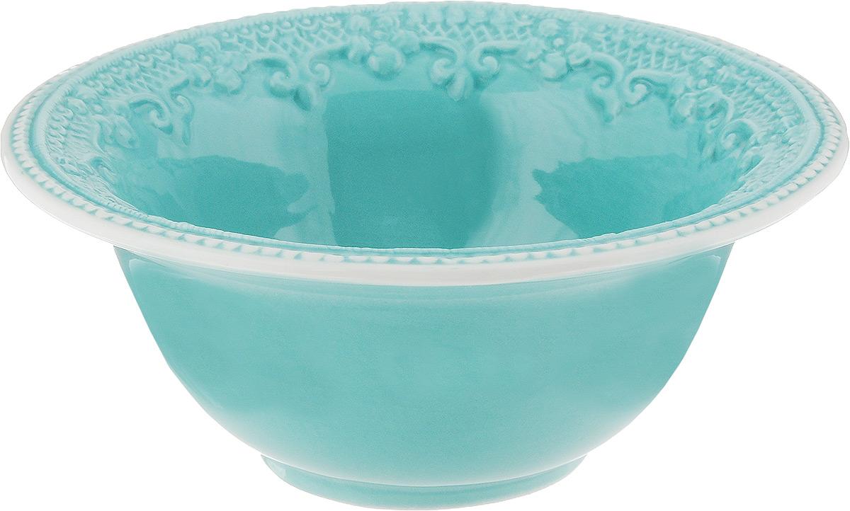 Салатник Azur, диаметр 17,5 см54 009312Элегантный салатник Azur, изготовленный из высококачественной керамики с глазурованным покрытием, прекрасно подойдет для подачи различных блюд: закусок, салатов или фруктов. Такой салатник украсит ваш праздничный или обеденный стол, а оригинальное исполнение понравится любой хозяйке. Диаметр салатника (по верхнему краю): 17,5 см. Высота салатника: 7 см.