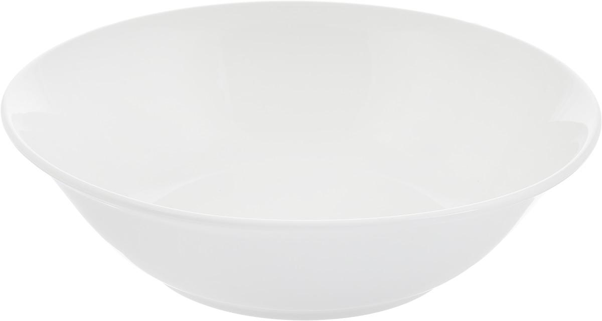Салатник Ariane Прайм, 1,2 лVT-1520(SR)Салатник Ariane Прайм изготовлен из высококачественного фарфора и имеет круглую форму. Такой салатник украсит сервировку вашего стола и подчеркнет прекрасный вкус хозяина, а также станет отличным подарком. Можно мыть в посудомоечной машине и использовать в микроволновой печи.Диаметр салатника по верхнему краю: 23 см.Высота салатника: 6,5 см.