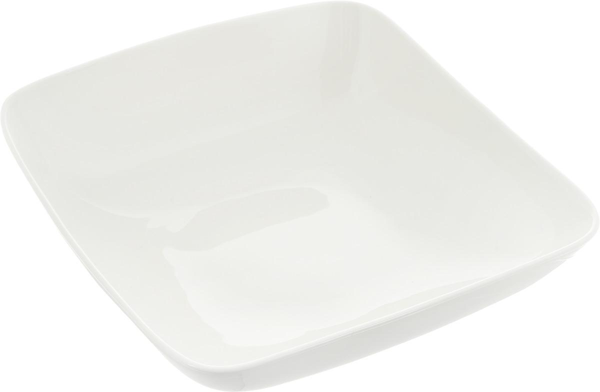 Салатник Ariane Vital Square, 1,75 л54 009312Оригинальный салатник Ariane Vital Square, изготовленный из высококачественного фарфора,имеет квадратную форму и приподнятый край. Такой салатник украсит сервировку вашего стола и подчеркнет прекрасный вкус хозяина, а такжестанет отличным подарком.Можно мыть в посудомоечной машине и использовать в микроволновой печи.Размер салатника (по верхнему краю): 25 х 25 см. Максимальная высота салатника: 8,5 см.