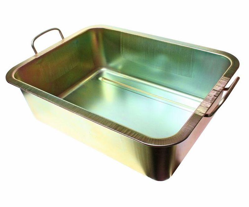 Емкость для слива масла JTC, металлическая, 22 лJTC-AM48Емкость для слива масла JTC представляет собой металлическую ванну небольших размеров. С помощью данного приспособления процесс замены масла в транспорте, а также в других различных механизмах и агрегатах становится значительно проще и удобнее. Ванна надежно защищена от воздействия коррозии и устойчива к различным механическим воздействиям, что обеспечивает продолжительный срок службы изделия.Размеры изделия: 49 х 37 х 15 см.
