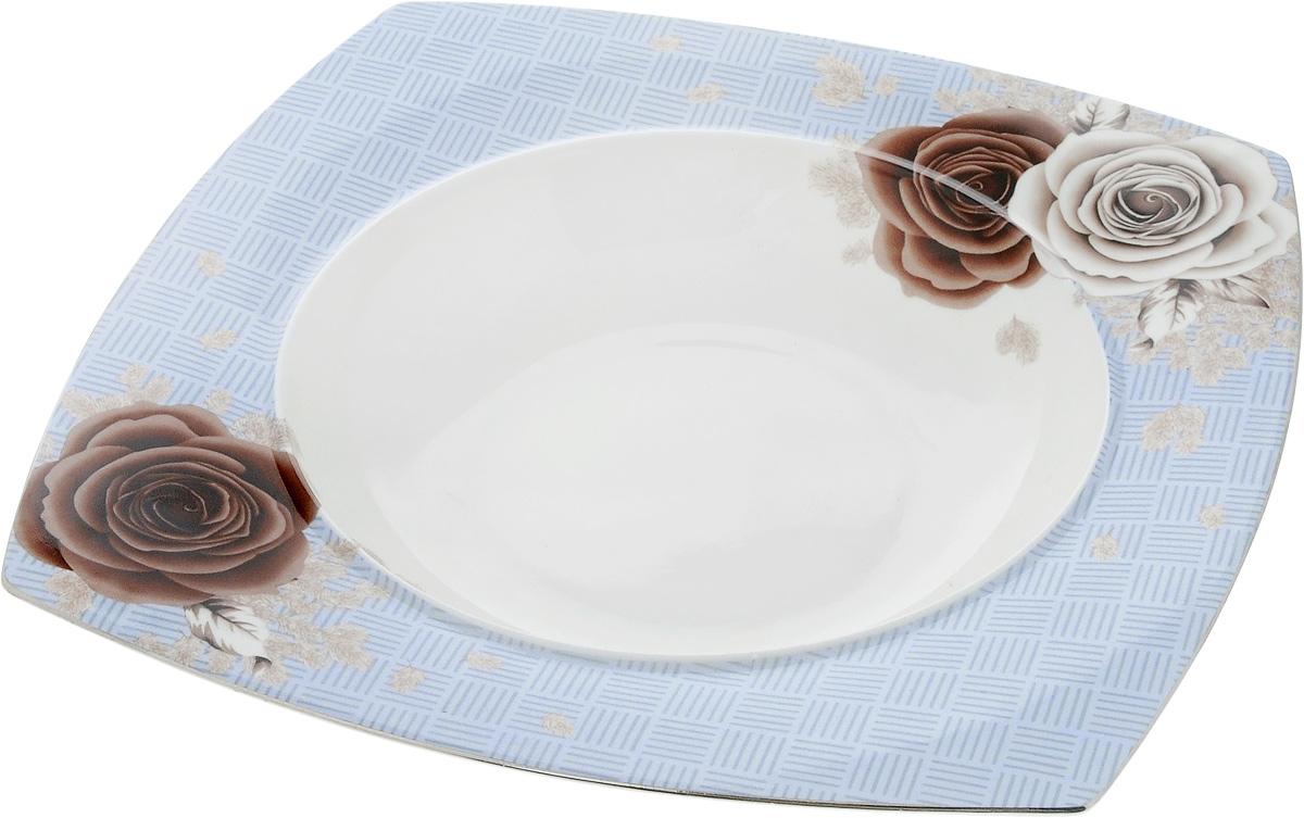 Салатник Family & Friends Дэниш, 17,5 х 17,5 смPR7985Салатник Family & Friends Дэниш изготовлен из высококачественного фарфораи оформлен оригинальным цветочным рисунком. Он подойдет для сервировки стола, как для повседневных, так и для торжественных случаев.Такой салатник прекрасно впишется в интерьер вашей кухни и станет достойным дополнением к кухонному инвентарю. Подчеркнет прекрасный вкус хозяйки и станет отличным подарком. Размер салатника по верхнему краю: 15 х 15 см. Высота: 5 см.