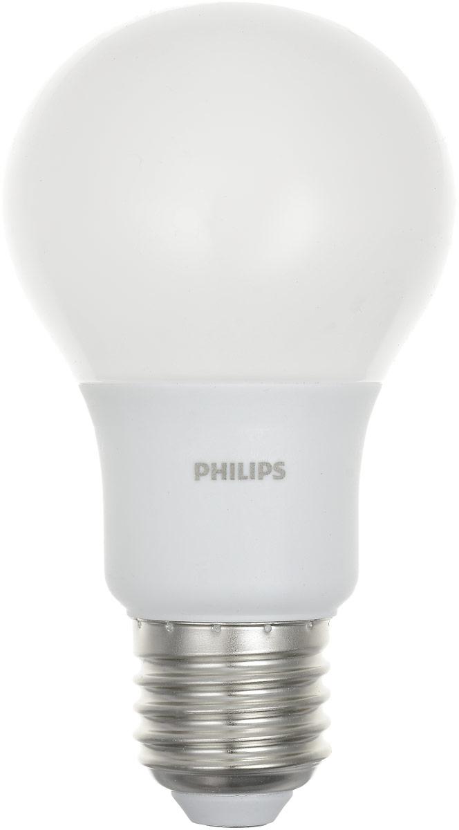 Лампа светодиодная Philips LEDBulb, E27, 6-50W, 3000KЛампа LEDBulb 6-50W E27 3000K 230VA60/PFСовременные светодиодные лампы Philips экономичны, имеют долгий срок службы и мгновенно загораются, заполняя комнату светом. Лампа классической формы и высокой яркости позволяет создать уютную и приятную обстановку в любой комнате вашего дома.Светодиодные лампы потребляют на 88 % меньше электроэнергии, чем обычные лампы накаливания, излучая при этом привычный и приятный свет. Срок службы светодиодной лампы Philips составляет до 15 000 часов, что соответствует общему сроку службы 15 ламп накаливания. В результате менять лампы приходится значительно реже, что сокращает количество отходов.Напряжение: 230 В. Световой поток: 470 lm.Угол светового пучка: 270°.