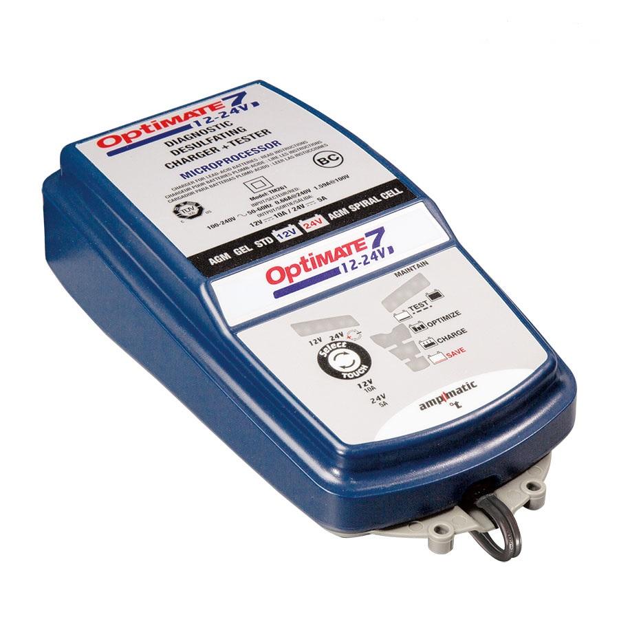 Зарядное устройство OptiMate 7 12/24V. TM26020736Многоступенчатое зарядное устройство Optimate от бельгийской компании TecMate с режимами тестирования, восстановления глубокоразряженных аккумуляторных батарей, десульфатации и хранения. Управление автоматическое AmpmaticTM микропроцессор, переключение режимов 12В и 24В сенсорной кнопкой. Заряжает все типы 12В и 24В свинцово-кислотных аккумуляторных батарей, в т.ч. AGM, GEL. Защита от короткого замыкания, переполюсовки, искрообразования, перегрева. Оптимизирует срок службы и здоровье аккумуляторной батареи. Гарантия 3 года (замена на новое изделие). Влагозащищенный корпус. Рекомендовано 10-ю ведущими производителями мототехники. Optimate 7 рекомендуется для АКБ от 3 Ач до 400 Ач - 12В, до 200 Ач - 24В. Ток заряда: до 10А для 12В; до 5А для 24В. Старт зарядки АКБ от 0,5В. Температурный режим: -40...+40°С. В комплект устройства входят аксессуары: O11 кольцевой разъем постоянного подключения и O4 зажимы типа крокодил.