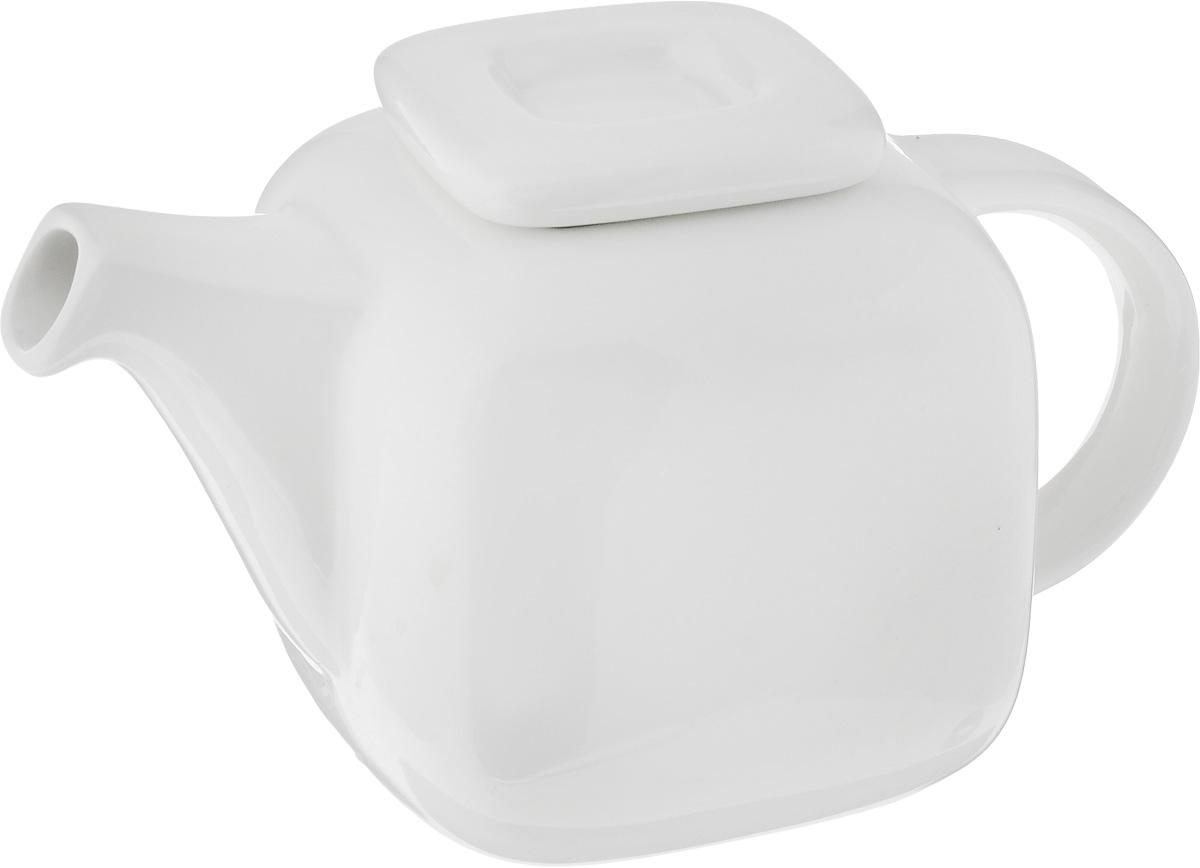 Чайник заварочный Ariane Vital Square, 400 млCL-1459_зеленыйЗаварочный чайник Ariane Vital Square изготовлен из высококачественного фарфора. Изделие имеет глазурованное покрытие, которое обеспечивает легкую очистку. Чайник прекрасно подходит для заваривания вкусного и ароматного чая, а также травяных настоев. Классический дизайн сделает чайник настоящим украшением стола. Он удобен в использовании и понравится каждому.Можно мыть в посудомоечной машине и использовать в микроволновой печи. Размер чайника (по верхнему краю): 5 х 4,5 см. Высота чайника (без учета крышки): 9 см. Высота чайника (с учетом крышки): 10,5 см.