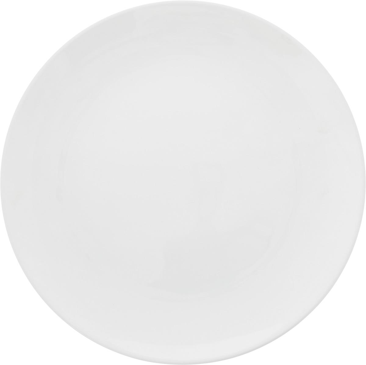 Тарелка Ariane Коуп, диаметр 24 см. AVCARN11024AVCARN11024Тарелка Ariane Коуп, изготовленная из высококачественного фарфора, имеет классическую круглую форму. Такая тарелка отлично подойдет в качестве блюда для закусок и нарезок, а также для подачи различных десертов. Изделие прекрасно впишется в интерьер вашей кухни и станет достойным дополнением к кухонному инвентарю. Тарелка Ariane Коуп подчеркнет прекрасный вкус хозяйки и станет отличным подарком.Можно мыть в посудомоечной машине и использовать в микроволновой печи. Высота: 2 см.Диаметр тарелки: 24 см.