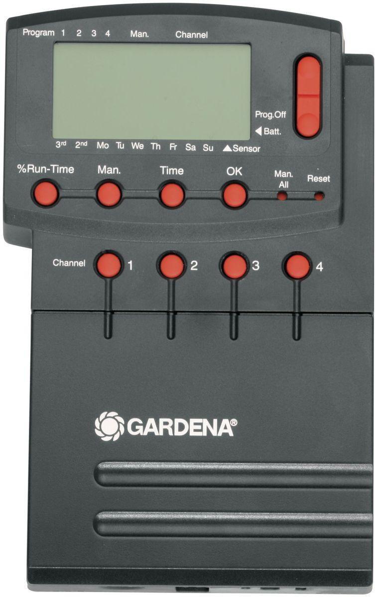 Блок управления клапанами для полива Gardena Comfort 4040А00319Система управления поливом Gardena Comfort 4040 предназначена для автоматического управления работой крупных систем полива, как правило, выдвижных, к числу которых относится система дождевания Gardena. Система управления поливом Gardena Comfort 4040 - идеальный выбор в тех случаях, когда объем подаваемой воды недостаточен для одновременной работы всей системы, в которую, как правило, входят несколько систем полива. Помимо этого, в случае различной потребности в воде отдельных участков система управления поливом 4040 modular осуществляет управление продолжительностью полива на отдельных каналах, обеспечивая тем самым оптимальный полив с учетом всех требований пользователя. Система управления поливом Gardena Comfort 4040 рассчитана на подключение четырех клапанов для полива 24 В и дополнительного модуля 2040 Comfort с возможностью подключения до 12 клапанов. Возможность сохранения до четырех программ для каждого клапана обеспечивает непревзойденную гибкость полива. Пользователь может произвольно выбрать день и цикл полива. Продолжительность полива может быть задана в пределах от 1 мин до 4 ч 59 мин с возможностью централизованной регулировки в диапазоне 0-200%. При необходимости начать полив в желаемое время подачу воды можно активировать вручную. При программировании пользователь получает необходимые инструкции, которые предельно упрощают процесс программирования. Предусмотрена возможность подключения блока управления насосом Gardena через центральный канал, благодаря чему осуществляется управление насосом, используемым в качестве альтернативного источника воды. Практичная функция: система управления поливом может использоваться как внутри, так и вне помещений. Система снабжена разъемом на 230 В. Для надежной и бесперебойной эксплуатации системы управления поливом предусмотрена защита от сбоев в сети питания с помощью щелочной батарейки 9В (не входит в комплект поставки). Для сокращения расхода воды к сис