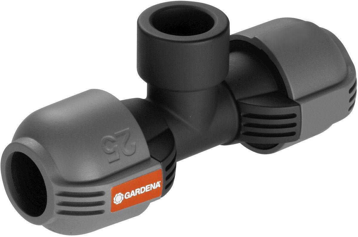 Соединитель Gardena, T-образный, внутренняя резьба 25 мм x 3/4106-026Соединитель T-образный Gardena с внутренней резьбой 25 мм x 3/4 - составная часть дождевательнойсистемы Gardena, которая служит для установки дренажного клапана по ходу подающей линии. Благодаря запатентованной технологии быстрого соединения Quick & Easy (Быстро и просто) монтаж и демонтаж трубопровода осуществляется без инструментов путем простого поворота завинчивающегося фитинга на 140°. Для безопасной работы и создания водонепроницаемого соединения резьбовое соединение Т-образного элемента является самогерметизирующимсяя.