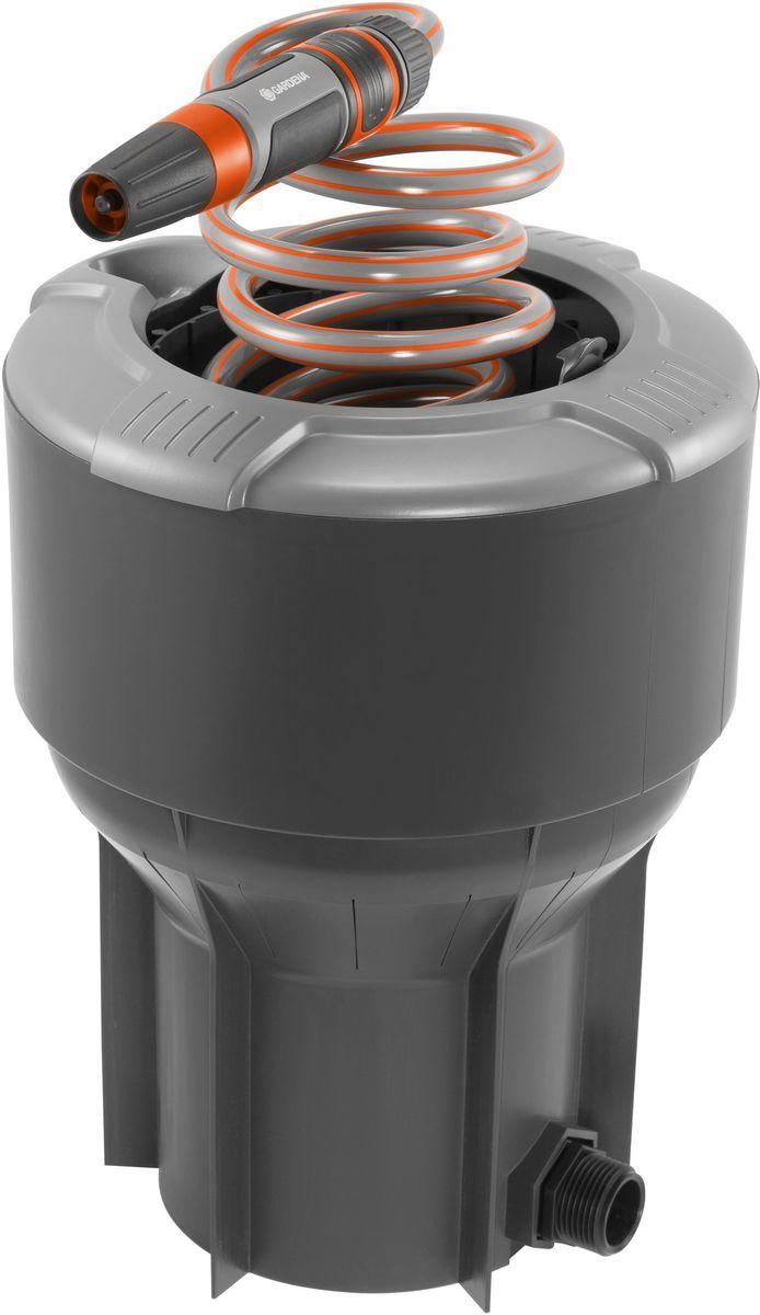 Колонка со спиральным шлангом Gardena, 10 м. 08253-20.000.00106-026Высокая функциональность: колонка со спиральным шлангом GARDENA позволяет получать воду из-под земли так же, как мы получаем электричество из сети. Идеальный комплект, включающий в себя спиральный шланг длиной 10 м и наконечник для полива Classic. При необходимости выполнить полив или очистку шланг просто достается из колонки, а по окончании работ возвращается обратно. Благодаря такой высокофункциональной и практичной колонке Ваш сад всегда будет чистым и аккуратным. К колонке, установленной под землю, вода поступает через магистральный шланг GARDENA. Наличие крышки гарантирует надежность и ухоженный вид Вашего сада, когда колонка не используется. При открытии такая выдвижная сферическая крышка скрывается внутри колонки, обеспечивая возможность ухаживать за газоном, не встречая при этом никаких препятствий. Колонка снабжена коннектором с автостопом, который предотвращает разлив воды при замене наконечника для полива Classic, например, на пистолет-распылитель или распылитель на штанге. Колонка снабжена наружной резьбой 1 дюйм.