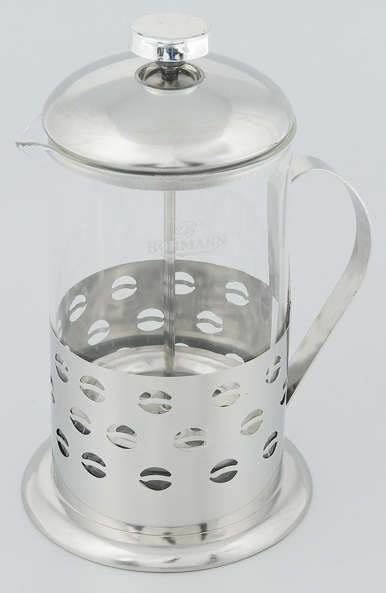 Френч-пресс Bohmann Зерна, 800 мл9580BH_зернаФренч-пресс Bohmann Зерна станет прекрасным выбором для повседневного использования, встречи гостей или небольших вечеринок. Колба, изготовленная их закаленного стекла, сохранит свежесть и аромат напитка. А конструкция френч-пресса встроенного в крышку, прекрасно отфильтрует чай и кофе от заварочной гущи. Удобная ручка обеспечит надежную фиксацию в руке. Утолщенный ободок колбы повышает прочность и продлевает срок службы изделия. Насыпьте чай или кофе в стеклянную колбу, добавьте горячей воды и закройте стакан пресс-фильтром. Подождите 3-5 минут, затем медленно опустите пресс-фильтр до упора. Приятного чаепития!Френч-пресс Bohmann Зерна позволит быстро и просто приготовить чай или свежий и ароматный кофе. Объем: 800 мл.Диаметр (по верхнему краю): 9,5 см. Высота стенки: 17 см.