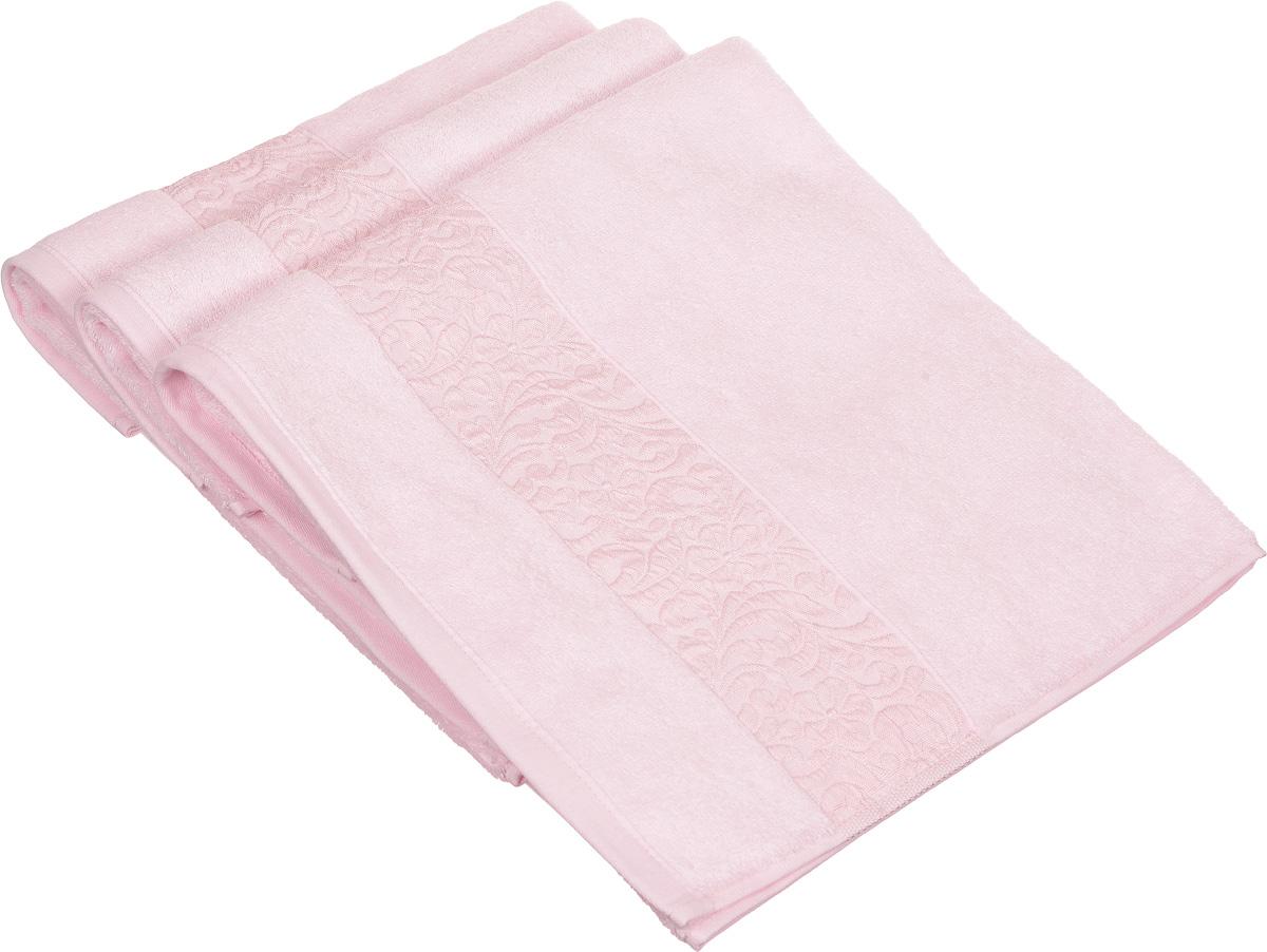 Набор полотенец Issimo Home Valencia, цвет: светло-розовый, 50 х 90 см, 3 штC0042416Набор Issimo Home Valencia состоит из 3 полотенец, выполненных из бамбука с добавлением хлопка. Красивый жаккардовый бордюр с цветочным орнаментом выполнен в цвет полотенец. Полотенца из бамбука только издали похожи на обычные. На самом деле, при первом же прикосновении вы ощутите, насколько эти полотенца мягкие и нежные. Таким полотенцем не нужно вытираться: только коснитесь кожи, и ткань сама все впитает. Такая ткань впитывает в 3 раза лучше, чем хлопок. Несмотря на богатую плотность и высокую петлю полотенца быстро сохнут, остаются легкими даже при намокании.