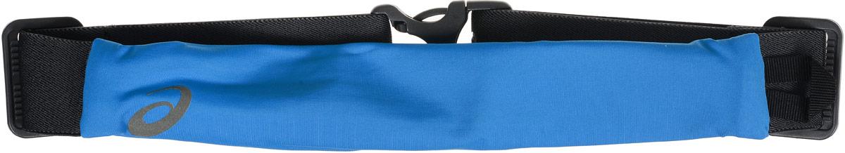 Сумка поясная для бега Asics Waistbelt, цвет: голубой, серый3B327Компактная поясная сумка Asics Waistbelt, выполненная из высококачественного спандекса, отлично подойдет для переноски самого необходимого во время занятий спортом. Сумка содержит одно небольшое основное отделение на застежке-молнии. Отделение закрывается с внутренней стороны. Сбоку имеется петля для подвешивания брелоков или ключей. Поясной ремень фиксируется при помощи пластикового карабина. Длина ремня регулируется.