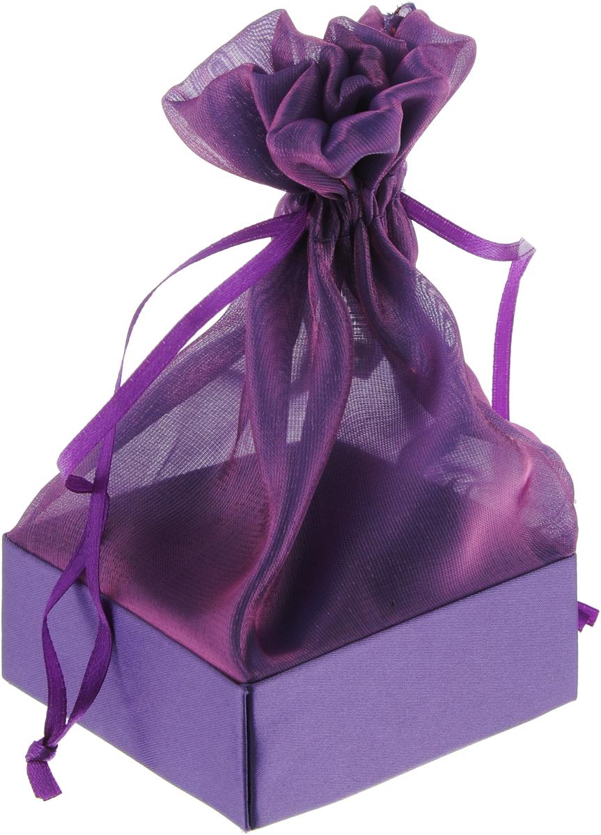 Коробочка для подарка Piovaccari Тиффани, цвет: темно-фиолетовый, 7,5 х 7,5 х 15 смNLED-454-9W-BKКоробочка для подарка Piovaccari Тиффани выполнена в виде мешочка, который затягивается и завязывается лентой. Основание коробки изготовлено из твердого картона и обтянуто органзой. Коробочка Piovaccari Тиффани станет одним из самых оригинальных вариантов упаковки для подарка. Яркий дизайн будет долго напоминать владельцу о трогательных моментах получения подарка.